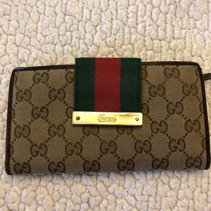 Authentic Gucci GG Signature Wallet